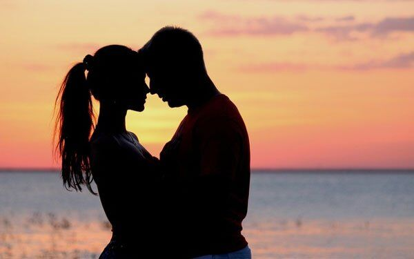 Tình yêu là gì? Ý nghĩa và quan điểm về tình yêu - Vài Thứ Hay Ho